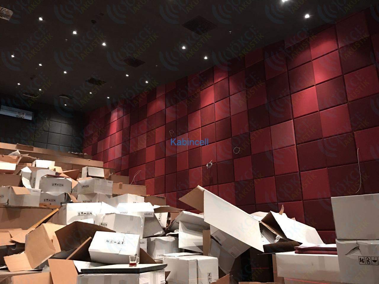 sinema-salonu-akustik-panel-kaplama-kumas-kapli-panel-parmephon047